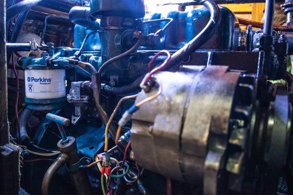 Lichtmaschine in Motorraum